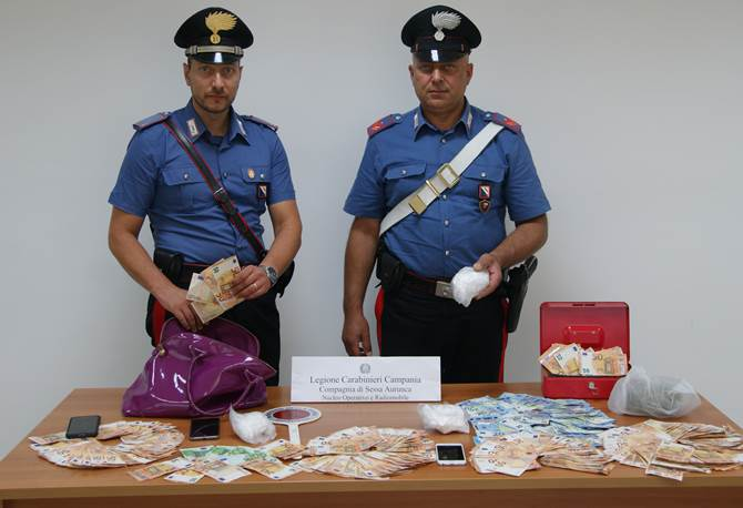 Photo of Mondragone, spaccio di droga: due pusher in manette