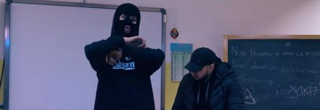marcianise-scuola-fiamme-video-trap