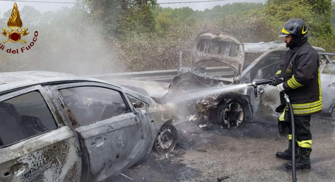 Photo of Incidente a Gioia Sannitica, auto in fiamme dopo lo schianto